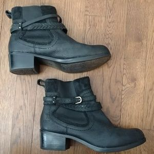 UGG Shoes - UGG ankle boots